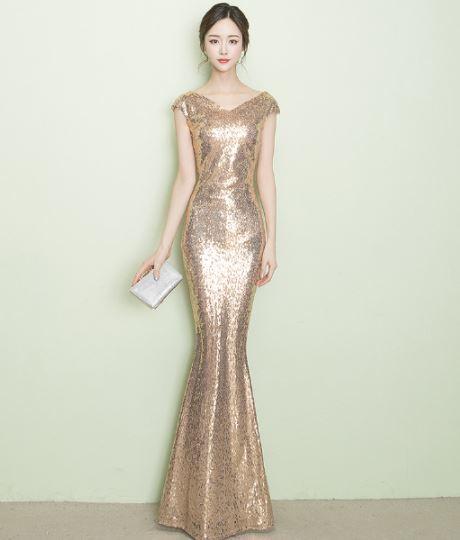 ชุดราตรียาว สีทอง