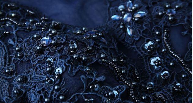 ชุดราตรียาวออกงานกลางคืน ระบายยาว แขนยาว สีน้ำเงิน