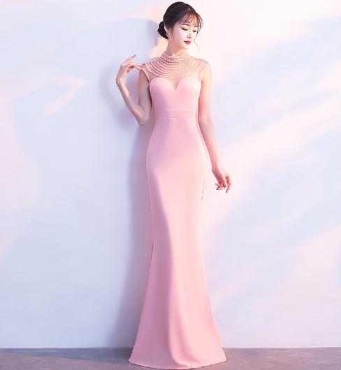 ชุดราตรียาว เข้ารูป สีชมพู