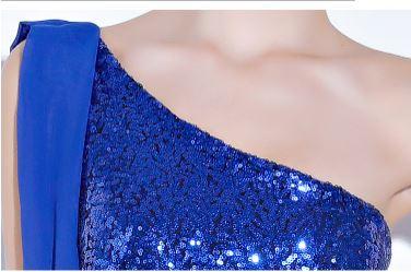 ชุดราตรียาวออกงานกลางคืน สีน้ำเงิน ไหล่เบี่ยงข้าง