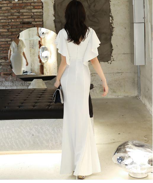 ชุดราตรียาว สีขาว