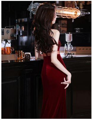 ชุดราตรียาวออกงานกลางคืน สีไวน์แดง